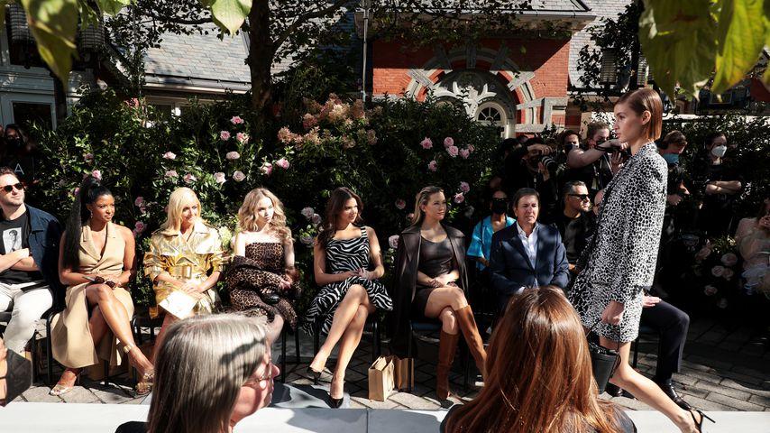 Renee Elise Goldsberry, Jane Krakowski, Dove Cameron, Hailee Steinfeld und Kate Hudson