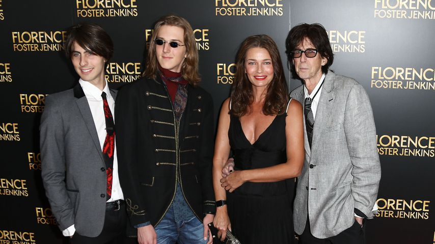 Ric Ocasek und Paulina Porizkova mit ihren Söhnen Jonathan und Oliver