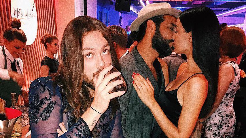 Mit Kuss-Fotobomb: Influencer Riccardo sorgt für Lacher!