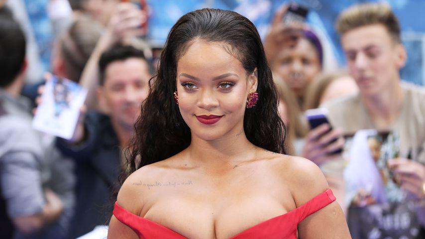 Nach Rihannas Outfit: Die krassesten Quetsch-Busen ever!