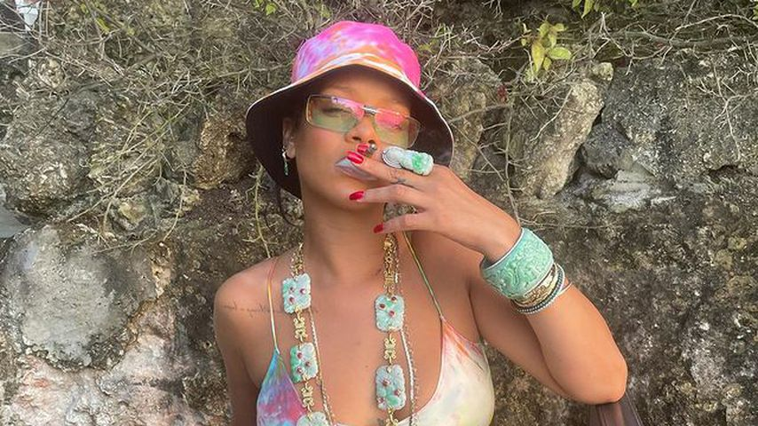 So hip! Fashion-Profi Rihanna rockt im sexy Batik-Look