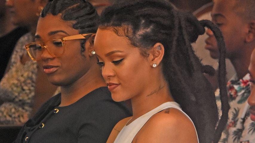Sexy in der Kirche: Hier betet Rihanna mit ihrer Familie