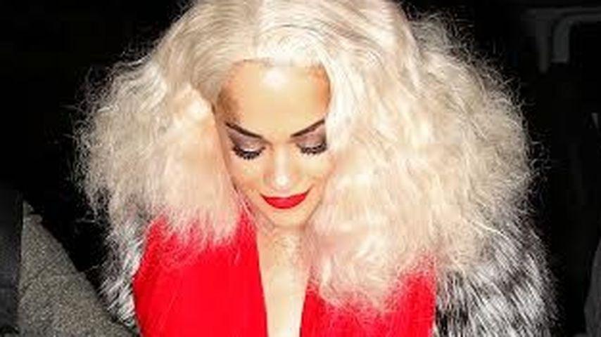 Rita Ora feiert wild: Schlüpfer-Blitzer inklusive