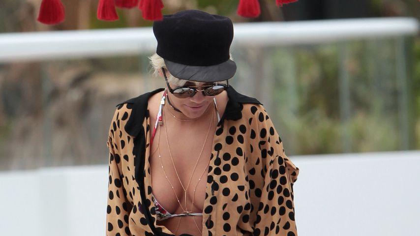 Flodder-Look am Strand: Rita Oras Stylist macht wohl Urlaub!