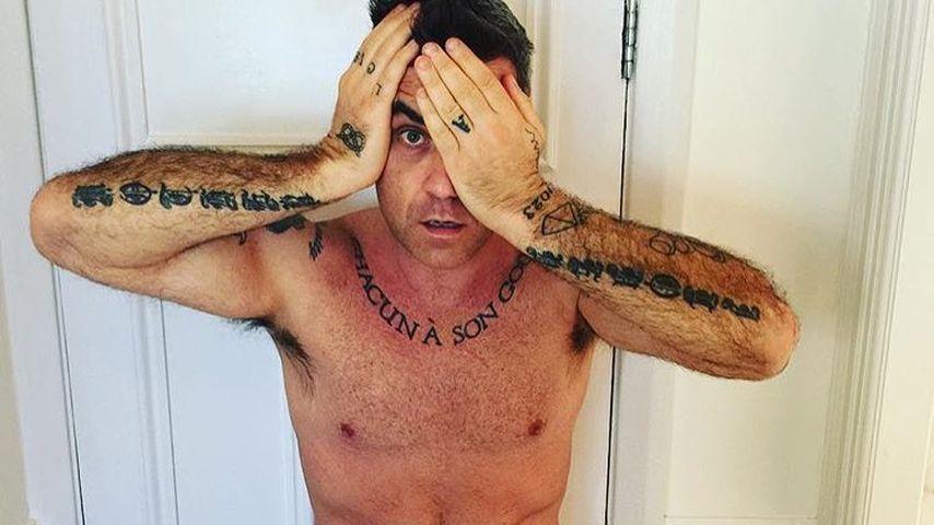 Robbie Williams in seinem heimischen Badezimmer