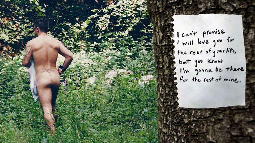 Robbie Williams nackt im Wald
