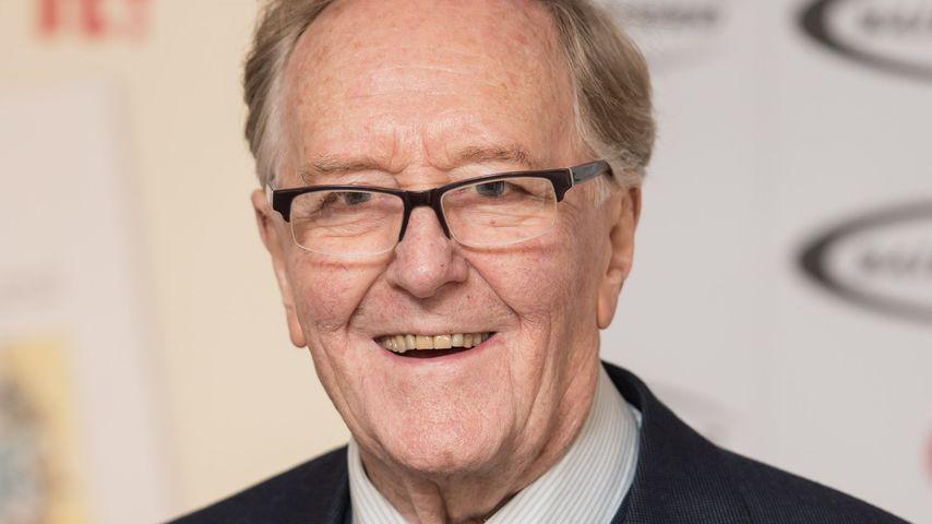 Robert Hardy, Schauspieler