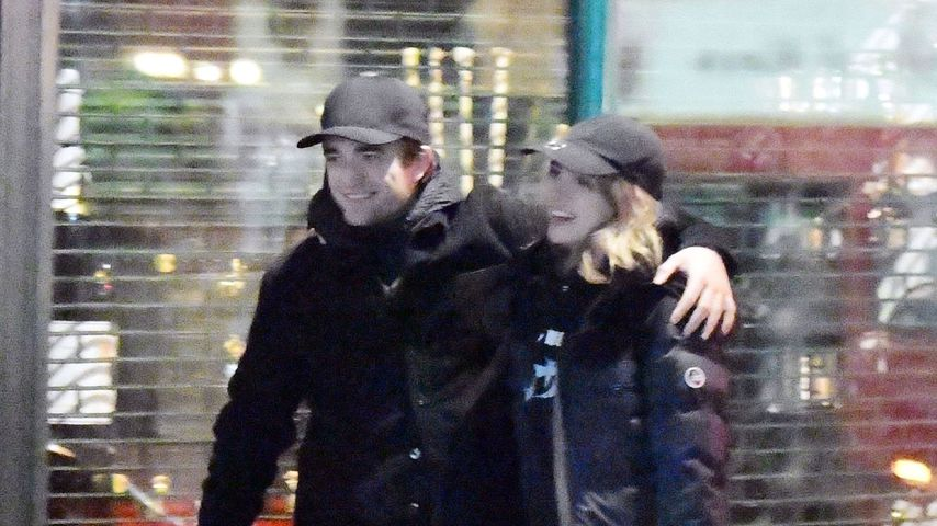 Robert Pattinson und Suki Waterhouse an Weihnachten 2019 in London