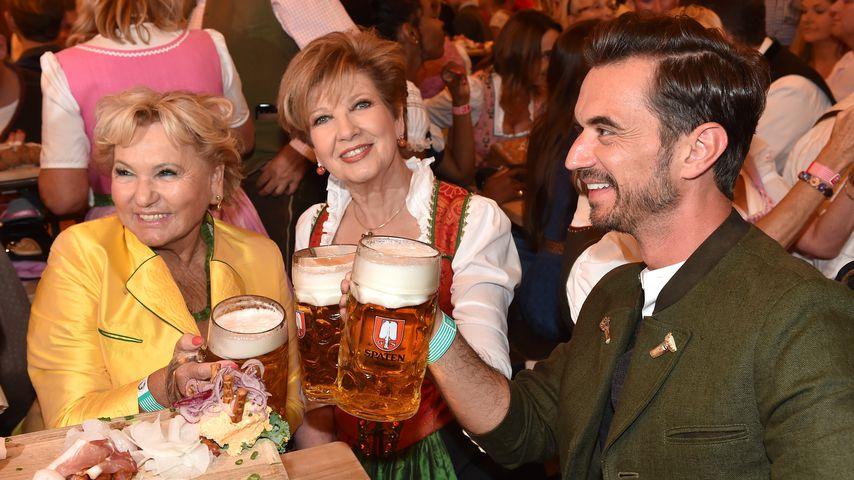 Rosi Schipflinger, Carolin Reiber und Florian Silbereisen beim Oktoberfest