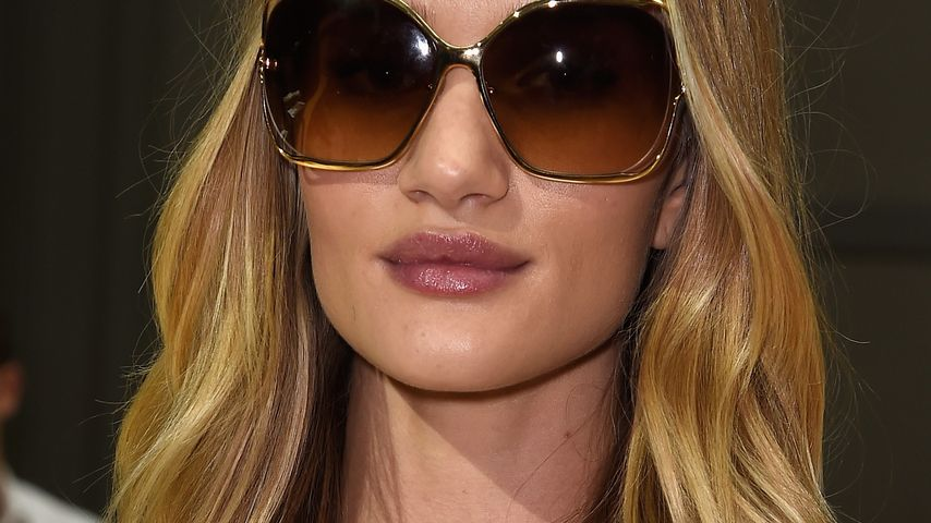 Rosie Huntington-Whiteley macht auf Fashion-Fliege