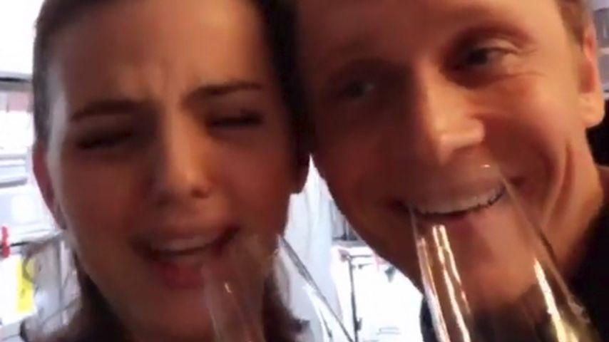 Matthias Schweighöfer und Ruby machen Party im Flieger!