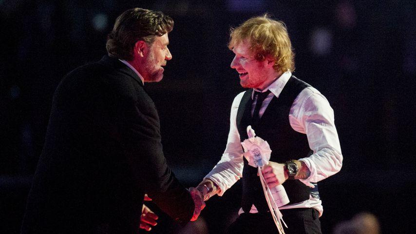Nicht verlobt! Ed Sheeran klärt Russell-Crowe-Patzer auf