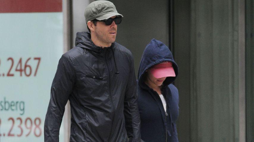 Ryan Reynolds und Scarlett Johansson verlassen zusammen das Fitnessstudio