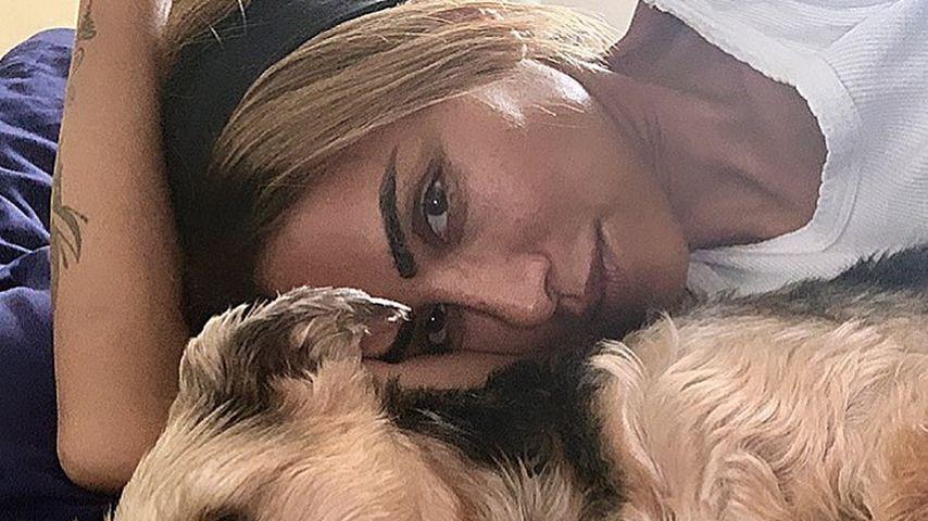 Sabrina Setlur mit ihrem Hund