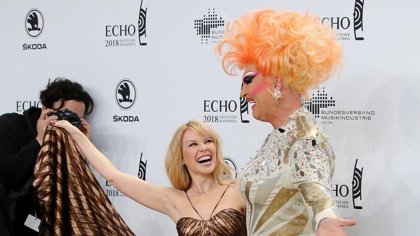 Sängerin Kylie Minogue und Dragqueen Olivia Jones beim Echo 2018