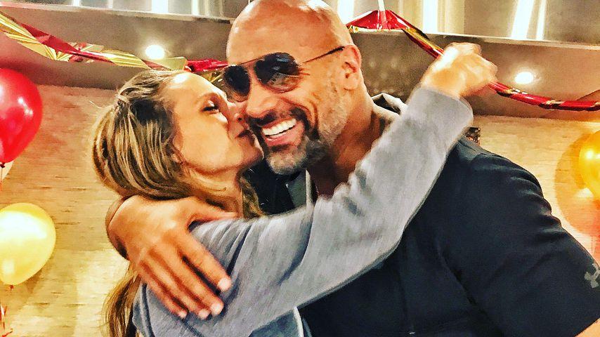 B-Day-Überraschung: The Rock schmeißt Party für sein Girl!
