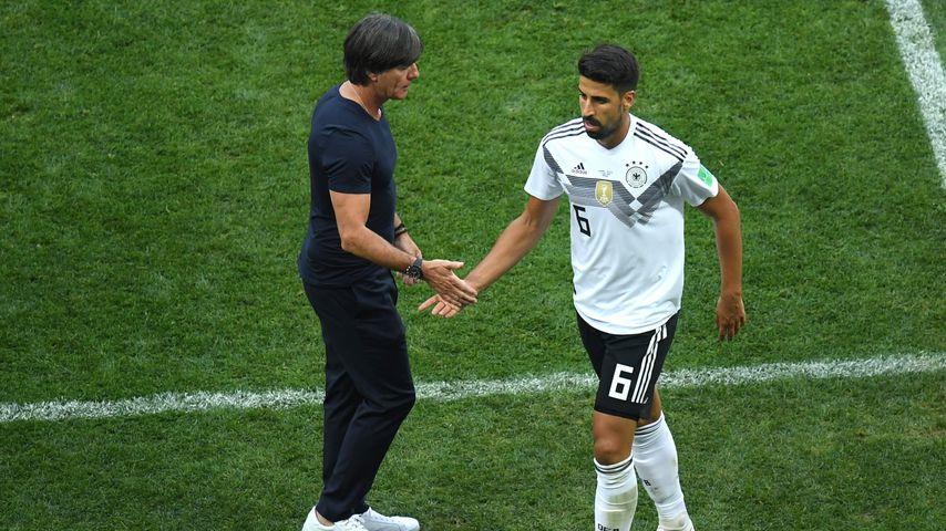 Joachim Löw und Sami Khedira bei der WM 2018