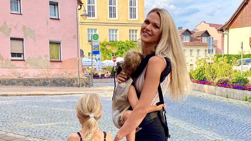 Sara Kulka mit ihren Töchtern, Juli 2020