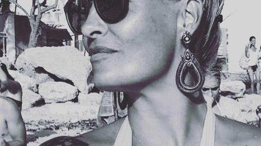 """Sexy """"Lunchtime"""": Sarah Connor stillt ihr Baby Jax im Bikini"""
