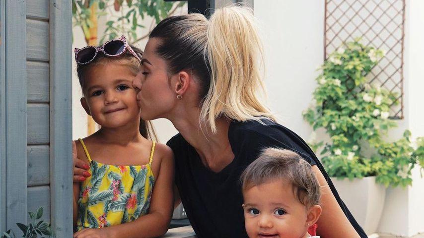 Sarah Harrison mit ihren beiden Töchtern Mia Rose und Kyla