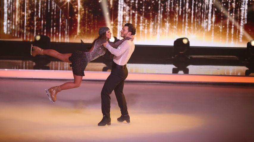 "Sarah Lombardi und Joti Polizoakis im ""Dancing on Ice""-Finale 2019"