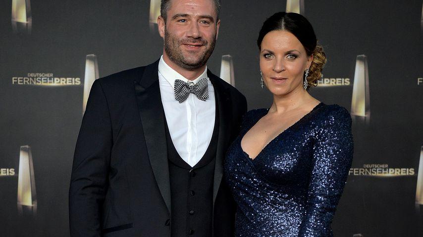 Sasha mit seiner Frau Julia Röntgen beim Fernsehpreis 2014