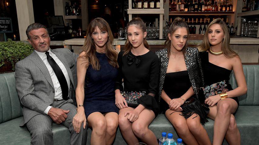 Schauspieler Sylvester Stallone mit seiner Frau Jennifer Flavin und seinen Töchtern
