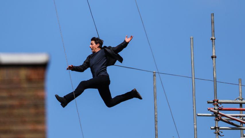 """Schauspieler Tom Cruise bei einem Stunt für """"Mission: Impossible"""""""