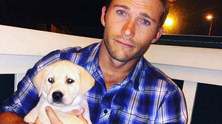 Knuffig: Scott Eastwood präsentiert seinen Hund Freddy
