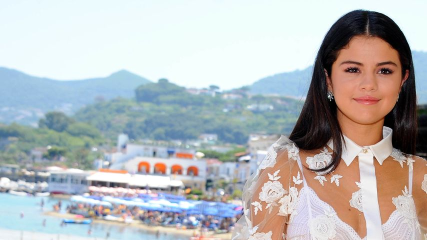 Genervt: Selena Gomez schubst frechen Paparazzo