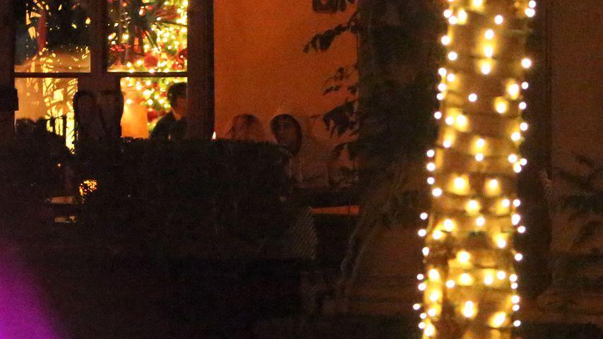 Selena Gomez und Justin Bieber in einem Restaurant in Los Angeles