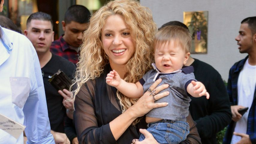 Süß, aber genervt: Shakiras Baby Sasha mag keine Paparazzi