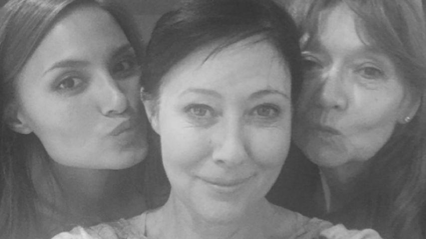Shannen Doherty (Mitte) mit einer Freundin (Links) und ihrer Mutter (Rechts)