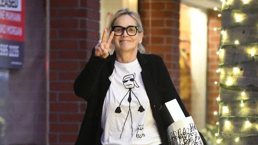 So leger geht Hollywood-Ikone Sharon Stone Geschenke-Bummeln