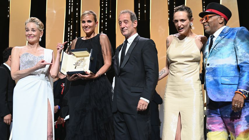 Sharon Stone, Julia Ducournau, Vincent Lindon, Agathe Rousselle und Spike Lee in Cannes