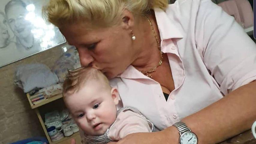Silvia Wollny mit ihrer Enkeltochter, Januar 2020