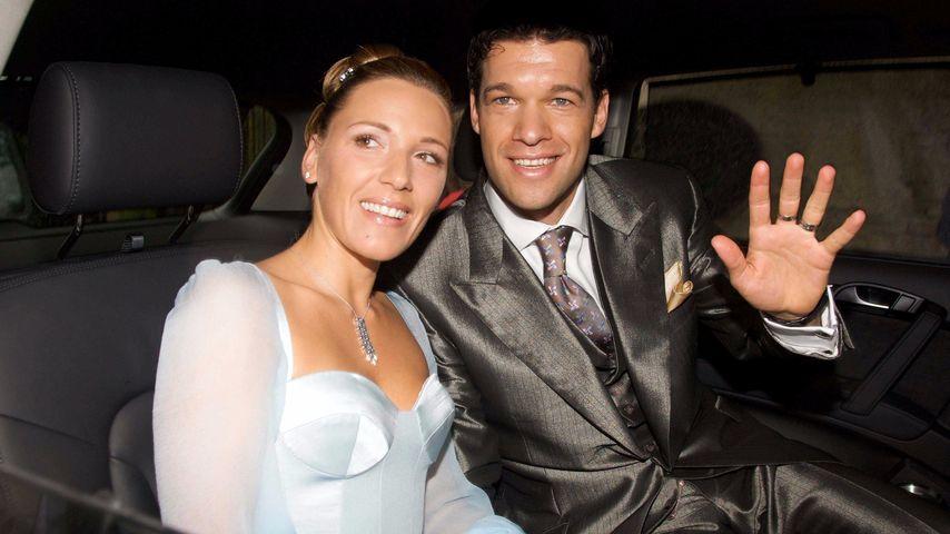 Simone und Michael Ballack nach ihrer Hochzeit 2008