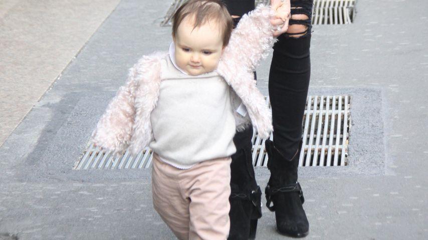 Goldig: Sophia Ecclestone macht erste Schritte!