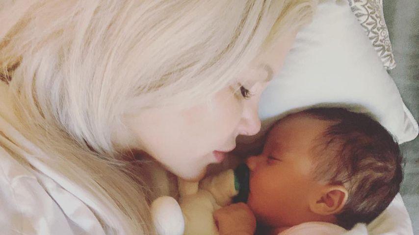 Vernarrt in Tochter Amanda: Sophia Vegas im Mama-Glück!