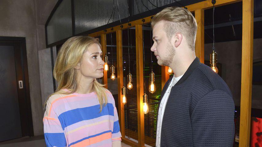 Sophie (Lea Marlen Woitack) und Jonas (Felix van Deventer) bei GZSZ