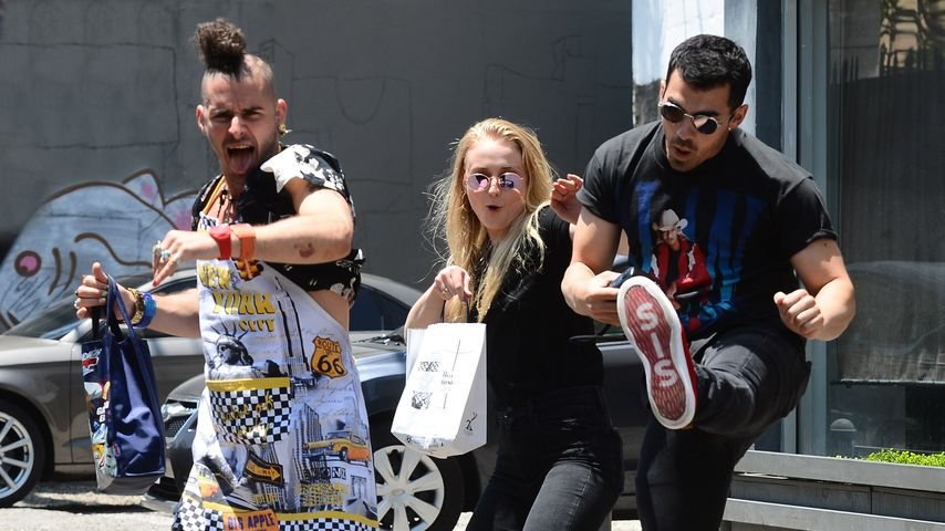 Mit Kung-Fu: Sophie Turner & Joe Jonas verjagen Paparazzo
