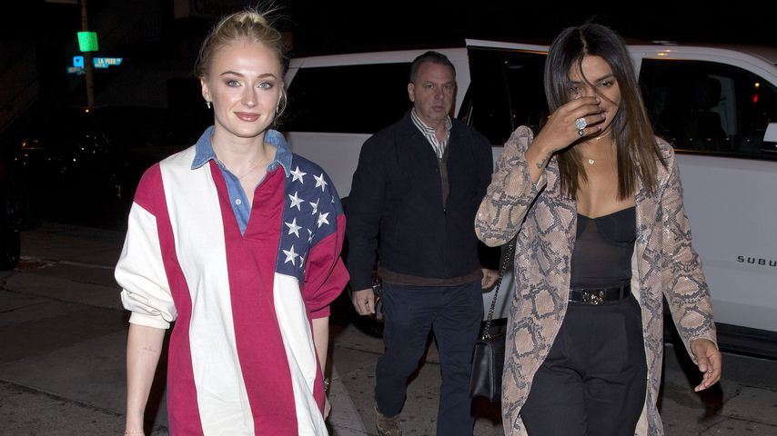 Sophie Turner und Priyanka Chopra in West Hollywood