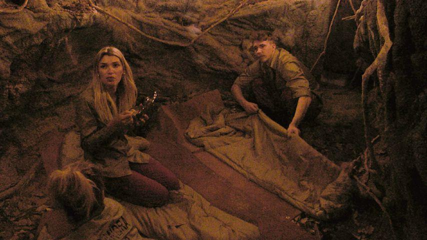 Giuliana Farfalla und David Friedrich in einer Höhle