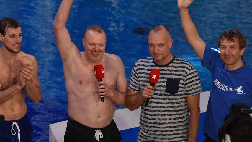 Stefan Raab und Frank Buschmann beim TV Total Turmspringen