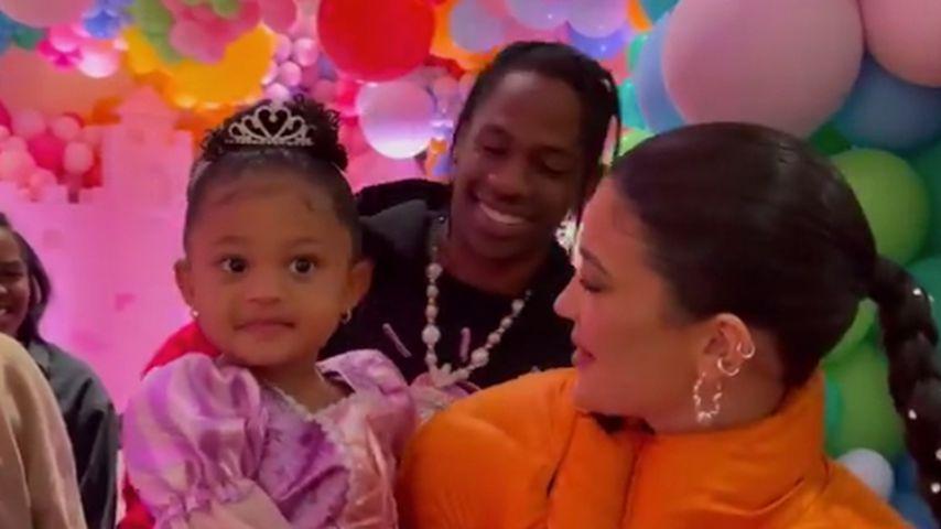 Stormi Webster mit ihren Eltern Kylie Jenner und Travis Scott