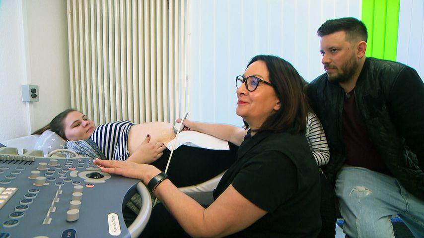 Sylvana Wollny und Flo beim Frauenarzt