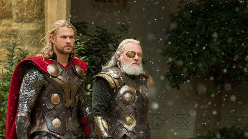 Chris Hemsworth und Anthony Hopkins