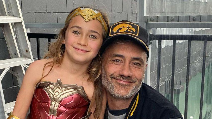 Taika Waititi mit seiner Tochter Te Kāinga o te Hinekāhu Waititi