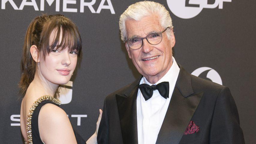Red-Carpet-Auftritt: Sky Du Mont posiert mit Teenie-Tochter