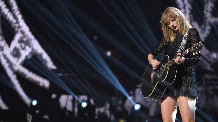 Süßes Date: Taylor Swift & Calvin von Paparazzi umzingelt